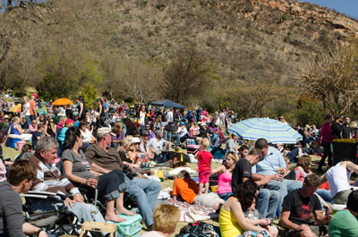 Click to enlarge image people at music in the gardens.jpg
